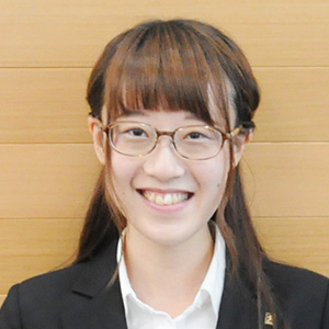 新藤美歩 の顔写真